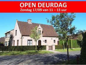 Zeer goed onderhouden woning op een perceel van 532 m² aan het domeinbos Ryckevelde en op fietsafstand van centrum Brugge. Mooi gelegen met alle