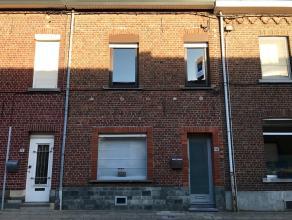 Ruime, charmante woning met o.a. een bewoonbare oppervlakte van 190 m², 2 slaapkamers en en een zolder! EPC: 455 Het gelijkvloers van de woning b
