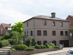 Goed gelegen ruime villa-woning.<br /> <br /> Het gelijkvloers is ingericht als kantoor met twee ruime kantoorruimten en een archief. <br /> <br /> Id