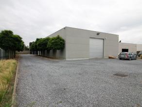 Deze eigendom is gelegen in de industriezone te Wingene genaamd VERREKIJKER. <br /> <br /> Dit betreft een WONING (314m² bewoonbare oppervlakte)