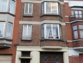 Appartement 1 chambre au 3ème étage comprenant un living (34m²), cuisine avec coin douche (10m²), chambre à coucher (6m