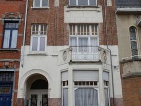 Appartement 1 chambre à coucher situé au deuxième étage dans le Centre de Berchem-Sainte-Agathe. L'appartement est compos&