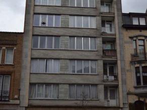 Agréable appartement meublé situéau 6ième étage dans un bâtiment avec ascenseur.Lappartement se compose d'une