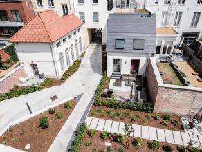 Achterin gelegen penthouse te huur in centrum Leuven.<br /> Twee slaapkamers, badkamer met dubbele lavabo en ligbad met douche, apart toilet, berging