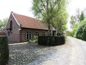 """Deze prachtige karaktervolle hoeve met perfect aangelegde tuin dateert oorspronkelijk uit 1763 en maakte deel uit van het vroegere """"Kasteel Van Gijzeg"""