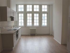 BRUXELLES, à deux pas du Square Ambiorix et dans le quartier européen, proche de toutes les commodités, superbe appartement de &p