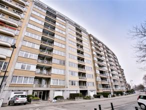 FOREST, face au Parc et à proximité de l'Altitude 100, au 8ème étage, lumineux appartement de ± 105m² habitabl