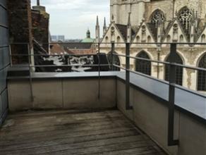 BRUXELLES, (CB4) dans le quartier du Sablon, dans une construction récente de caractère, splendide penthouse de ±120m² habit