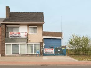 Dit unieke pand op toplocatie te Droeshout is gelegen op 15 minuten van Asse, Aalst en Dendermonde. De ideale uitvalsbasis kortom voor de uitbouw van