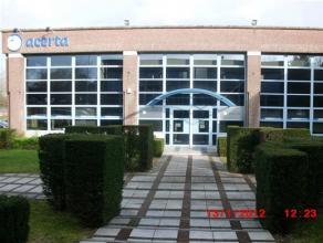CHARLEROI, dans le parc d'Affaires Espace Sud, surface de bureaux de ±243m² au 1er étage de l'immeuble 1, calme, bien aér&ea