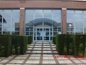 CHARLEROI, dans le parc d'Affaires Espace Sud, surface de bureaux de ±210m² au rez-de-chaussée de l'immeuble APOLLO XI, calme, bien