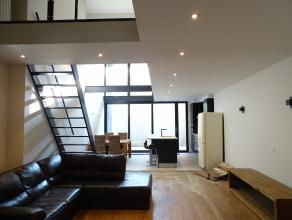 Volledig vernieuwd gelijkvloers duplex appartement op het hippe zuid gelegen. Dit appartement ligt vlakbij de scheldekaaien en is vlot bereikbaar. Ind