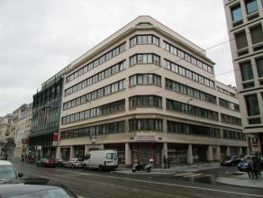 Mooi kantoorverdieping van 165m² in het hartje van Brussel, niet ver van de Wetstraat en het Warandepark. Eventueel mogelijkheid tot uitbreiding