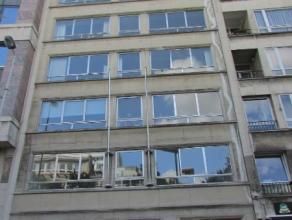 Verdieping van +/- 150m² te huur in het hartje van Brussel Centrum, gelegen tussen de Zavel en Centraal Station. Gemakkelijk bereikbaar met het o