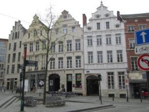 1000 Brussel, Oud Korenhuis 29                                                                                             Karaktervol pand met een be