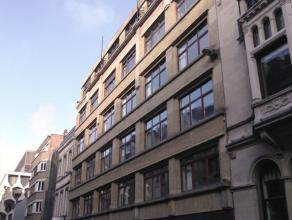 Flexibele kantoren te huur in de onmiddellijke nabijheid van Brussel Centraal en de Nieuwstraat. Zeer goed bereikbaar met het openbaar vervoer.