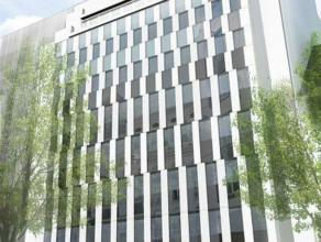 Gesitueerd in de meest prestigieuze straat van Brussel. Dit gebouw is een meesterwerk van de hedendaagse architectuur. Het biedt u meer dan 3500m&sup2
