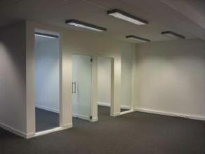 Volledig gerenoveerd kantoor, instapklaar en bekabeld voor telefoon en internet. Op een van de meeste bekende straten van het Europese hoofdkwartier g