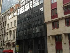 In het hart van het Leopoldwijk, vlak naast alle Europese instellingen.De ruimte gelegen op de 5de verdieping is 245m². Op wandelafstand van metr