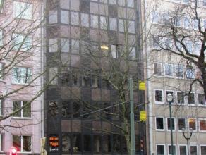 Verscheidene kantoorruimtes te huur dichtbij Place du Chatelain en de Place Flagey. Zeer veel faciliteiten in de omgeving : snackbars, restaurants, ba
