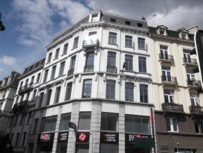 Kantoorgebouw gelegen op loopafstand van het centraal station te Brussel en de Grote Markt. Een aangename omgeving met restaurants, winkels en banken.