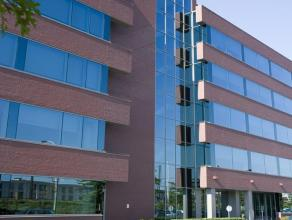 Complex bestaande uit 5 gebouwen met een totale oppervlakte van 42.000m². Bouwjaar 2000-2001. Momenteel zijn er nog verschillende flexibele ruimt