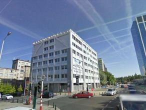 Mooi gebouw in het centrum van Brussel, dichtbij Brussel-Centraal. Het gebouw biedt u een heldere en klare omgeving. Mooi uitzicht vanaf de 5e verdiep