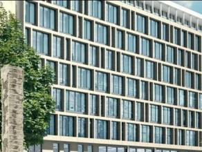 Een project van 7000m², gelegen op de bekende en populaire Avenue Louise. Het project stelt hoge ecologische eisen voorop, zoals het BREEAM en he