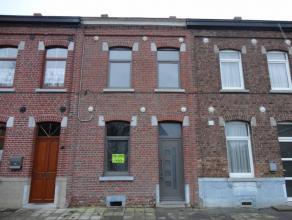 Située dans une rue calme et proche des commodités, belle maison en cours de rénovation.Travaux récemment effectués