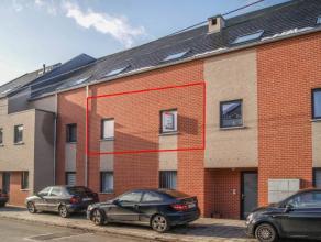 C'est à Peronnes Lez Binche que nous vous proposons ce bel appartement tout confort. Celui-ci comprend un hall d'entrée avec W.C s&eacut
