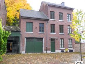 VERVIERS : Venez découvrir cette magnifique maison récemment rénovée. Elle se compose comme suit : au rez-de-chauss&eacute