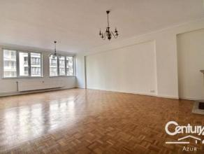 A deux pas de la Basilique de Koekelberg, nous vous proposons un magnifique appartement de 100m² qui vous séduira par son agencement. Il s