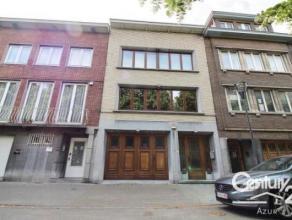 Sur l'avenue de l'indépendance Belge, appartement duplex (rez-de-chaussée + 1er étage) de 120m² habitable composé de