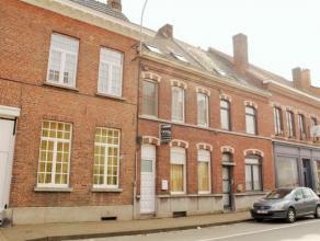 Gerenoveerd herenhuis in centrum van Ronse met 5 slaapkamers. Dubbele beglazing, vernieuwde electriciteit, centrale verwarming!