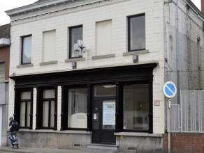GHLIN - Réf. 4215<br /> Maison de Maître de 245 m² habitable - Elle se compose d'une partie commercial avec salle d'attente, r&eacut