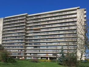 LIEGE (Parc Saint-Gilles): Vous rêvez de prendre votre petit déjeuner en regardant la ville s'éveiller? Votre apéritif sur