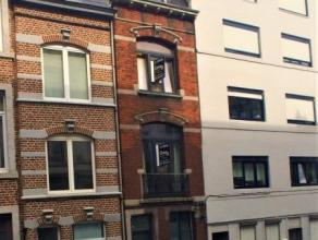 Implanté dans le quartier coté et très recherché de Saint-Gilles car proche du centre-ville, cet immeuble de rapport &agra