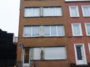 Avenue de Koekelberg 74, quartier de la Basilique: Appartement une chambre de 65m² avec une terrasse de 10m² et une cave. Libre pour le 1er