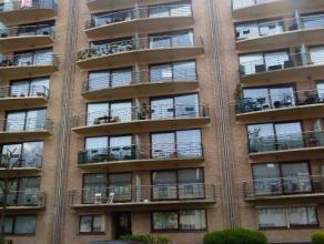 Avenue de la Basilique 317: Lumineux appartement deux chambres au 4ème étage avec ascenseur offrant 85m² habitables + deux terrasse