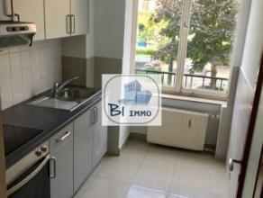 Prox. Parc Duden - Forest National | Ravissant Appartement 1 Chambre (+/- 60 m²) + Terrasse dans une petite copropriété. Il offre u