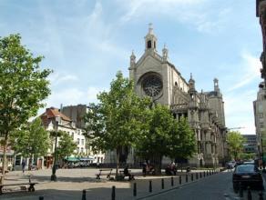 Situation exceptionnelle, au coeur de Bruxelles à deux pas de la place Sainte-Catherine dans un immeuble neuf, superbe appartement de 85m²