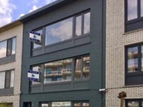 Ruim 2 slaapkamer appartement in een rustige straat in Berchem.<br /> Het appartement bevind zich op de tweede verdieping van een kleinschalig gebouw