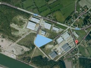 Oreon Properties presenteert:Het perceel industriegrond dat te koop wordt aangeboden heeft een oppervlakte van ca. 1Ha. Als bedrijf ben je vlot bereik
