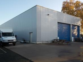Oreon Properties presenteert:<br /> Het magazijn dat te huur wordt aangeboden heeft een oppervlakte van 1.445m². De loods is uitgerust met twee s
