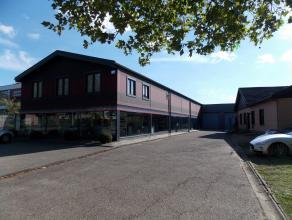 Oreon Properties presenteert:De showroom die te huur staat heeft een oppervlakte van 300m² en is gelegen aan de ingang van de industriezone van H