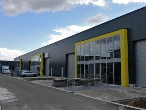 Oreon Properties presenteert:<br /> Nieuw KMO unit is gelegen in de KMO zone die zich bevindt aan het Laageind te Stabroek. Dit is de weg die rechtstr