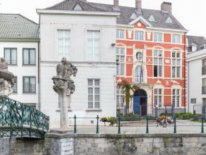 Het Schuttershuis, een cultureel-historisch waardevol gebouw uit de 17de eeuw werd in 1997/1998 volledig gerenoveerd met behoud van authenticiteit en