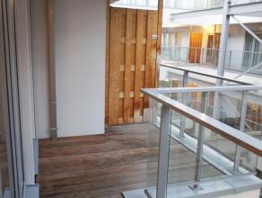 Dit gezellig appartement heeft een top ligging in het begin van de Nieuwstraat, vlakbij het Muntplein, Dansaertstraat en de Grote Markt. Kortom midden