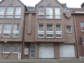 Voor een bezoek bel 0477/64.45.94 - Dit centraal gelegen appartement met twee slaapkamers bevindt zich vlakbij de ring van Aalst en de verbindingsweg