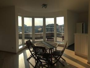 PRACHTIG UITZICHT - 2 slaapkamers appartement met prachtig uitzicht op het kanaal. Lichtelijke woonruimte met volledig ingerichte amerikaanse keuken.